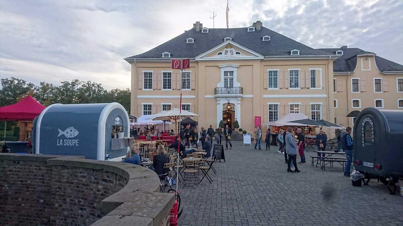 Genussmarkt auf Schloss Miel 2019